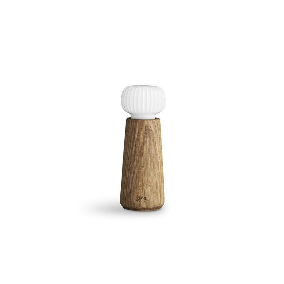 Hammershøi-peper en zout moelen kruidenmolen van eikenhout en wit keramiek kahler design