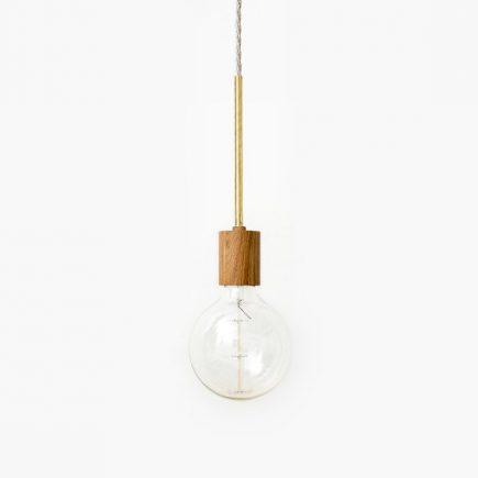 Pendel lamp van eikenhout en messing van Roon & Rahn