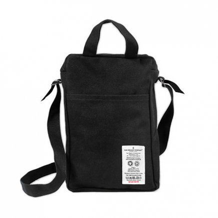 Care Bag weekendtas Zwart Small van The Organic Company