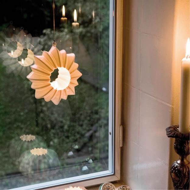 Hangende theelichthouder waxinelichthouder wit keramiek Stella van Kähler byJensen