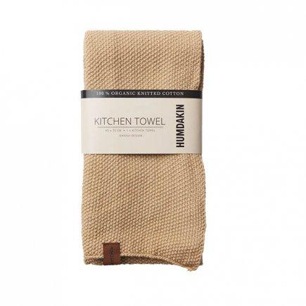Gebreide handdoek zandkleur van Humdakin byJensen