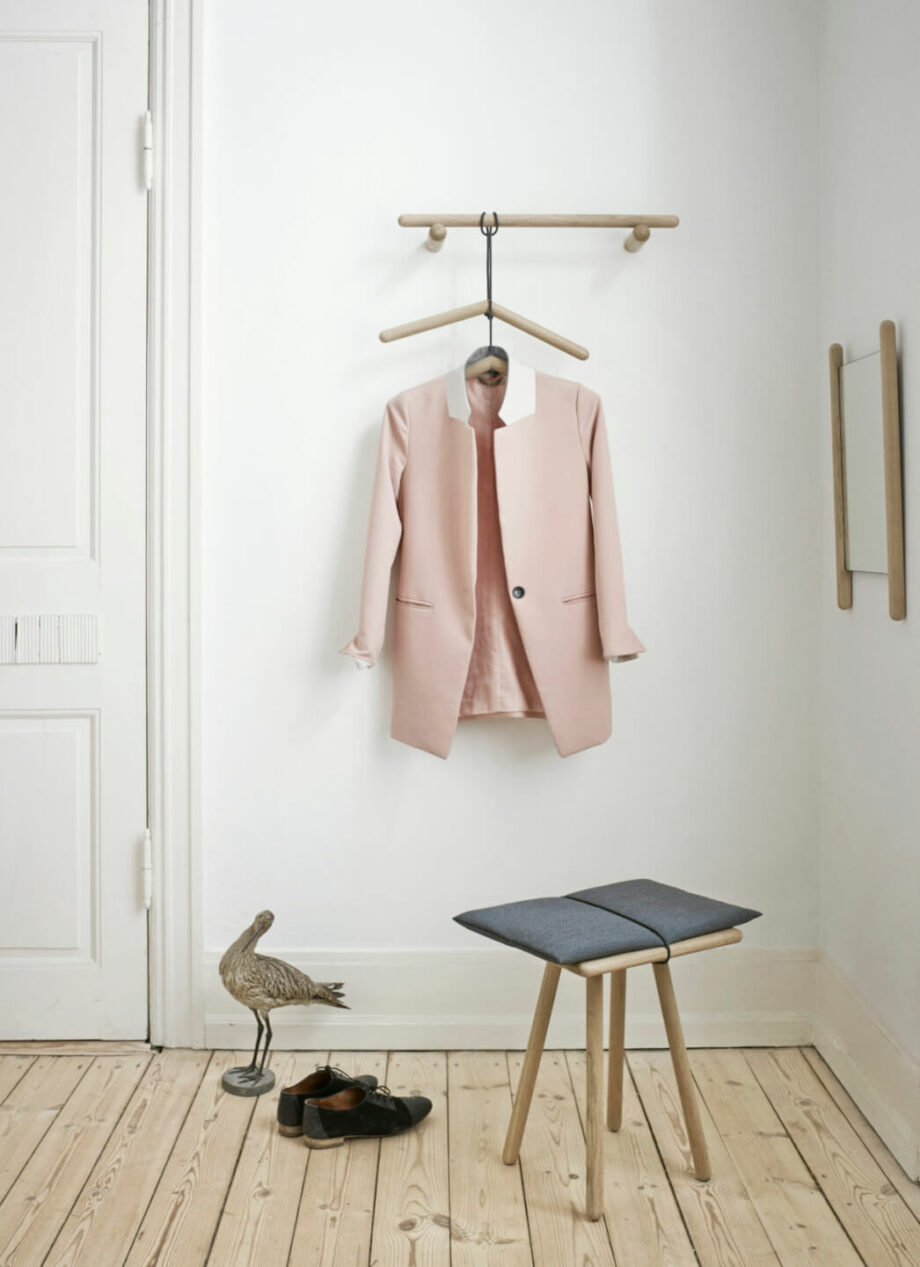 Georg spiegel en kapstok eikenhout minimalistisch Scandinavisch design skagerak Denmark byJensen