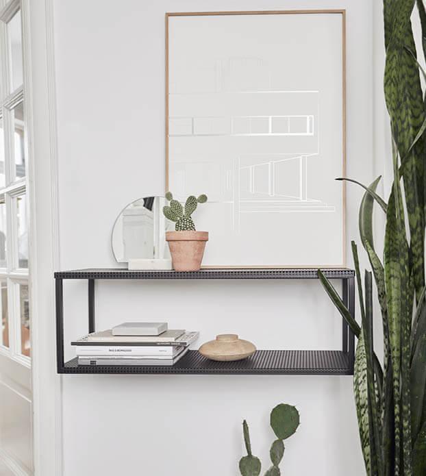 Grid Wall Shelf zwarte stalen wandkast minimalistisch witte Villa Savoyes poser van Kristina Dam Studio byJensen