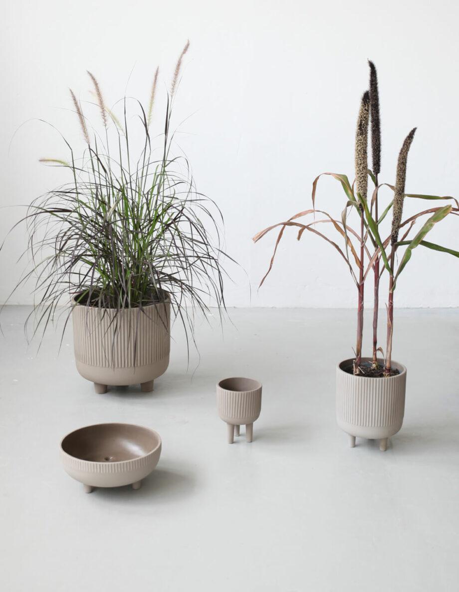Bowl small medium large XL bloempot op drie pootjes kristina Dam studio byJensen