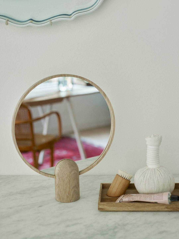 Groten Tafelspiegel Aino Mirror groot spiegel skagerak denmark eikenhouten handspiegel