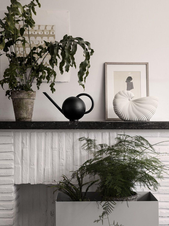 Orb gieter zwart Shell pot Ferm Living