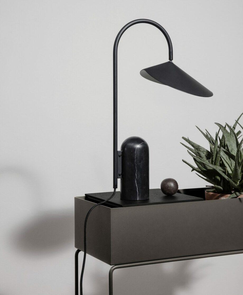 Plant Box large en Arum tafellamp Ferm Living