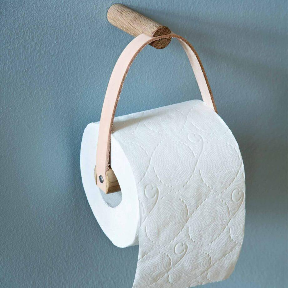 by wirth toiletrolhouder van eikenhout en leer scandinavisch design