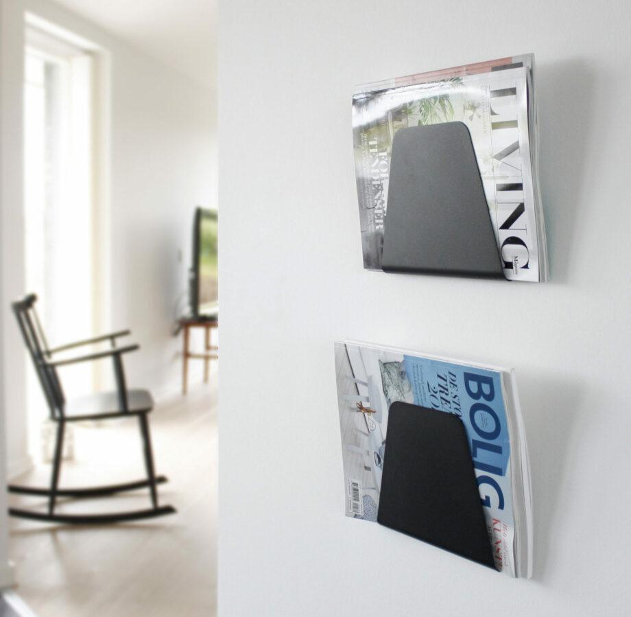 NUR DESIGN Curve tijdschriftenhouders zwart aan muur