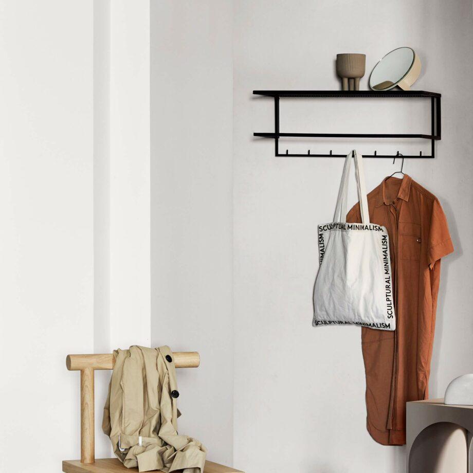 Metalen kapstok garderobe van Kristina dam Studio zwart minimalistisch