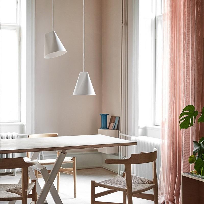 moebe-Ceramic-Pendant-wide-keramiek-hanglamp-wit-woonkamer