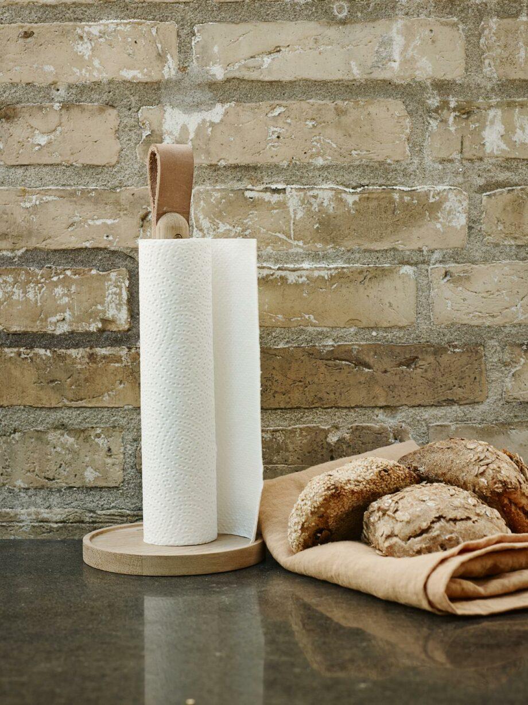 Eikenouten scandinavisch design keukenrolhouder Skagerak Denmark