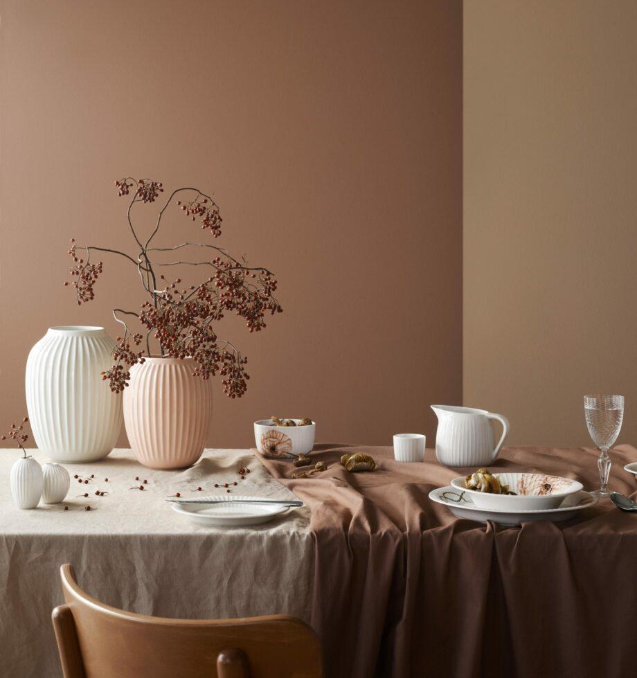 Kaler Hammershøi vazen wit en roze poppy servies met klaprozenmotief