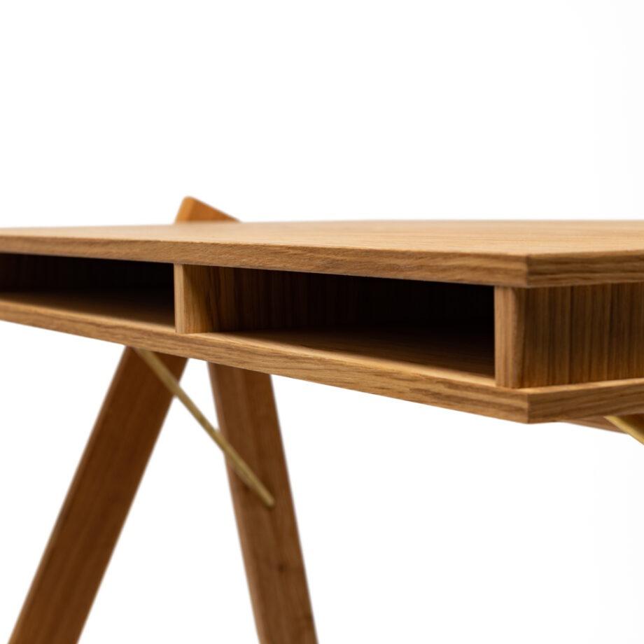 Close up We Do Wood Field desk bureau eikenhout