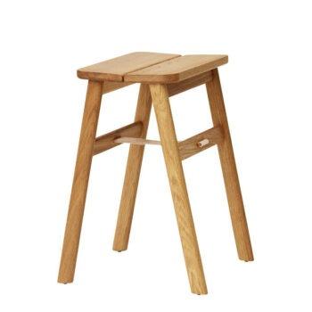 Angle stool kruk eiken Form & refine