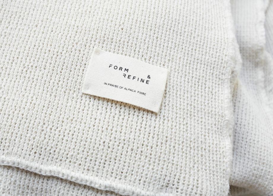 Form & refine Alpaca textiel logo