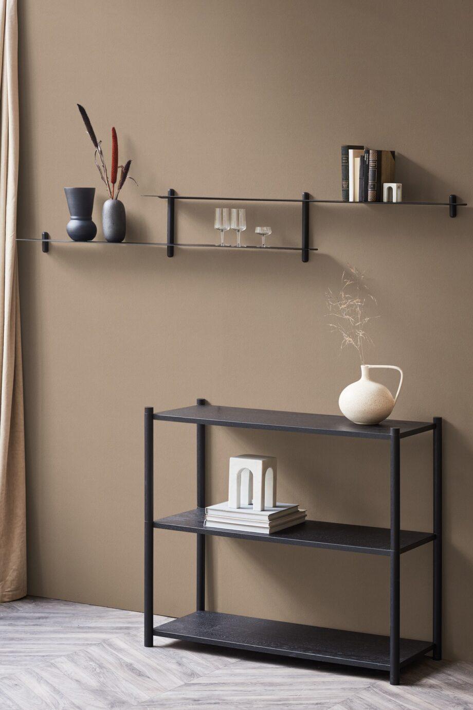 Nivo H wandrek van Gejst design zwart woonkamer