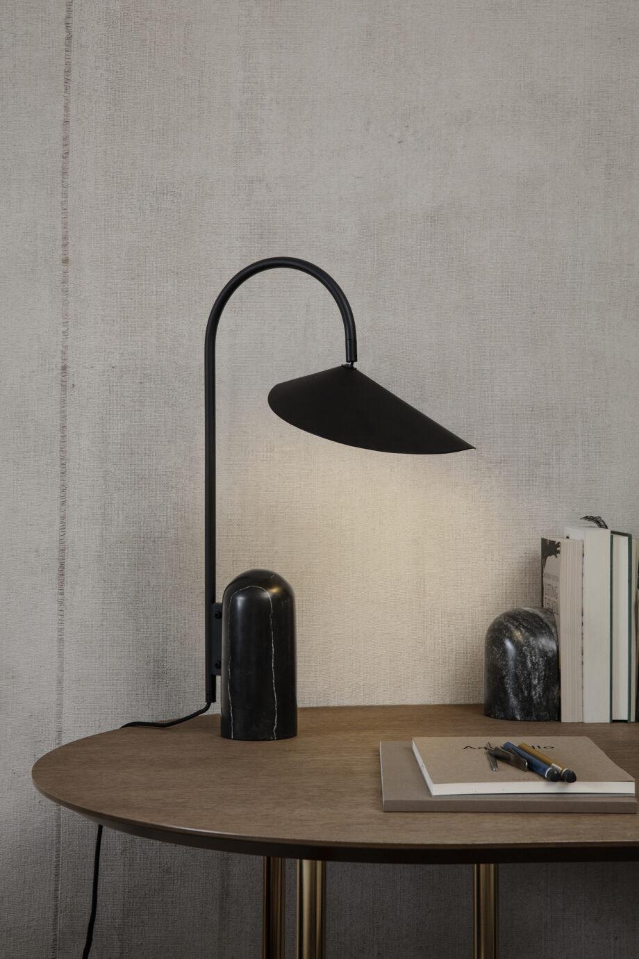 Ferm Living Arum bureaulamp zwart