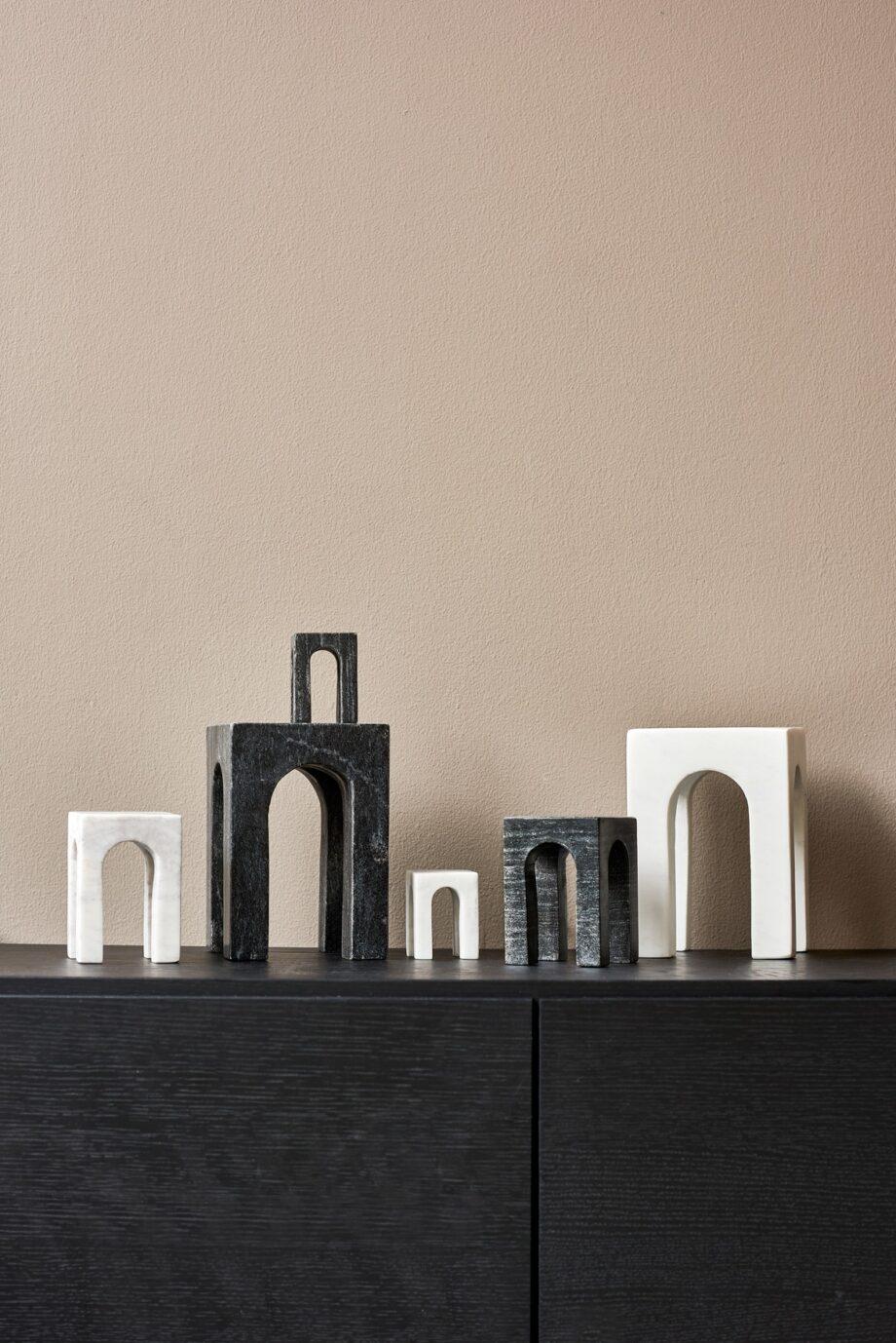 Gejst Design Arkis bookend zwart en wit boekensteun of sculptuur marmer