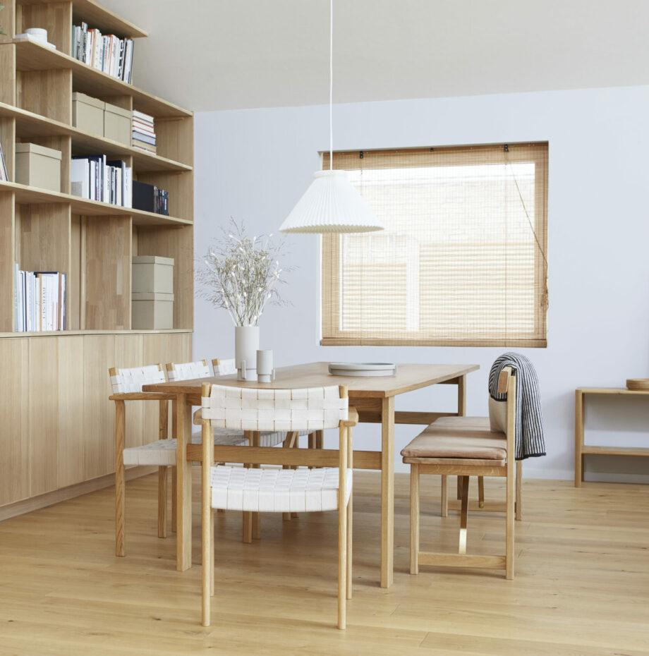 Form & Refine Position zitbank voor eettafel en motif stoel eetkamer sfeerfoto